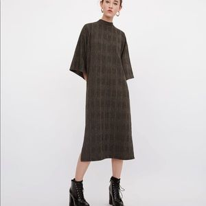 Checkered Dress with Knotted Back